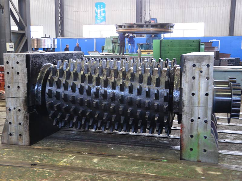 Double-Geared Roller Crusher